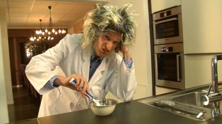 Mein Auftritt als wirrer Erfinder in RTL2 'Schau dich schlau' - Szenenfoto (13)